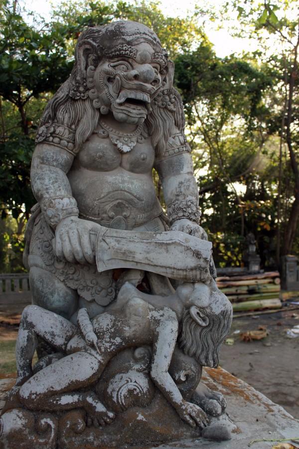 Sculptures étranges
