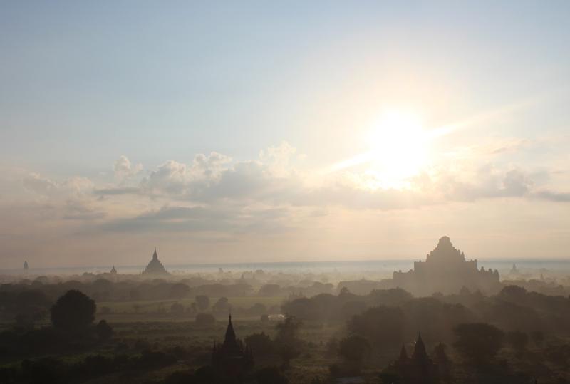Bagan lever du jour