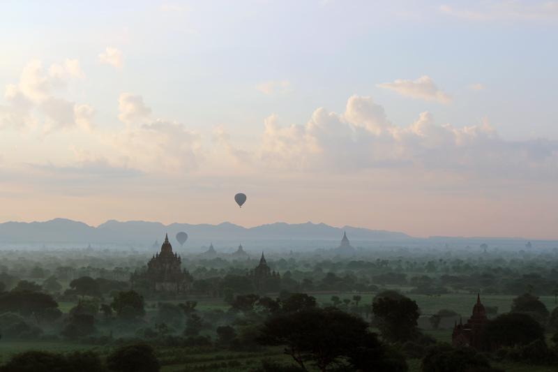 Lever du jour à Bagan Birmanie