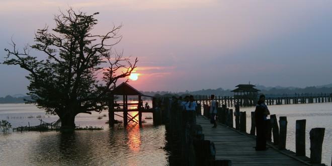 Pont U Bein coucher soleil