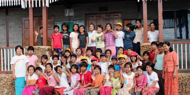 Orphelinat de Minethouk groupe des filles