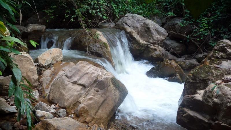 Trek en Thaïlande rivière