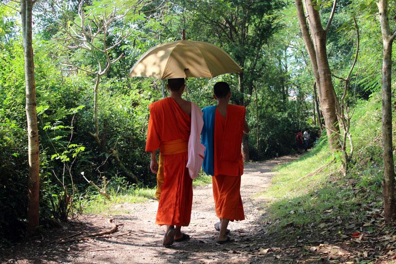 Moines à Luang Prabang
