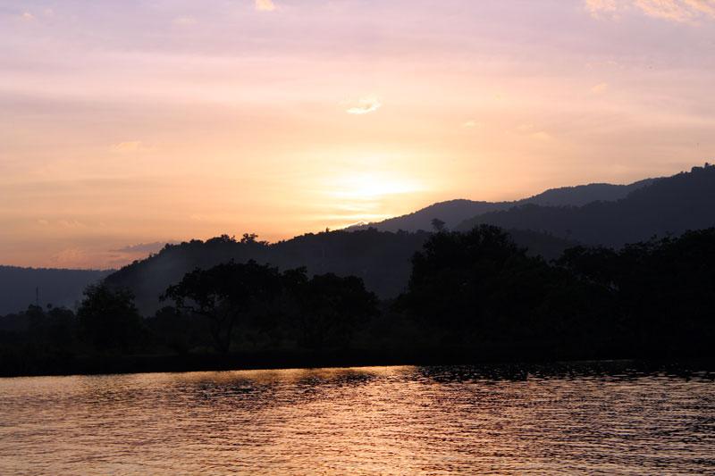 Croisière coucher du soleil à Kampot