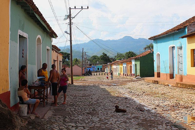 Scène de vie dans les rues de Trinidad