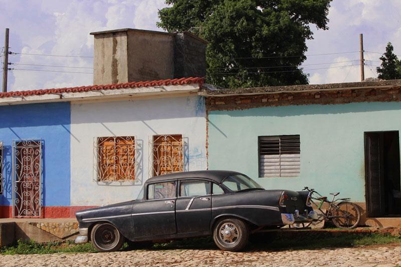 Vieille voiture américaine