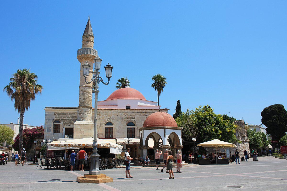 La mosquée turque sur la place centrale