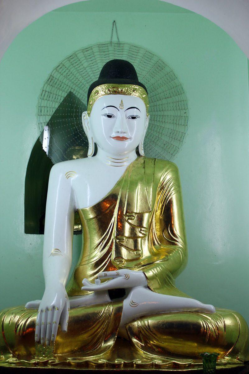 Bouddha nuit Pagode Shwedagon